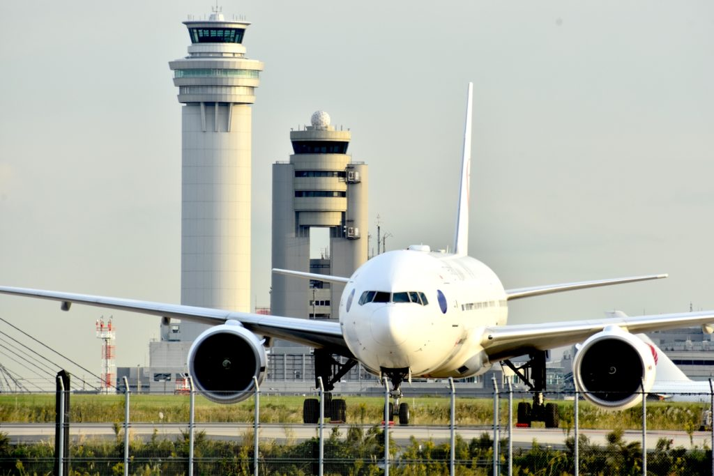 日本到着から空港内の入国手続き、政府指定隔離ホテルでの過ごし方までの流れを徹底解説